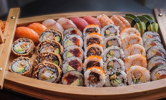 Сет из суши, роллов